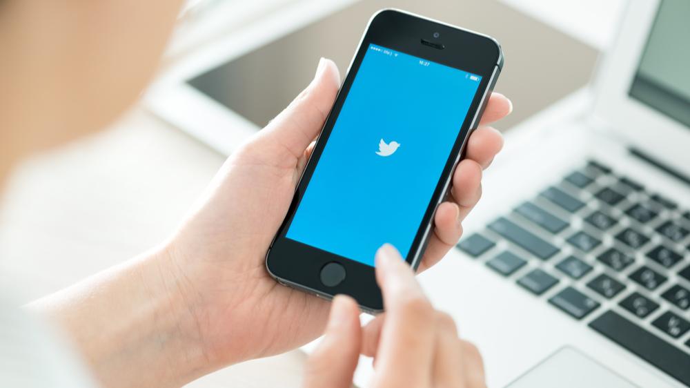 Vis frem dine Twitter-meldinger på LinkedIn