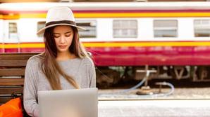 Hva skiller digitale kundereiser fra tradisjonelle kundereiser?