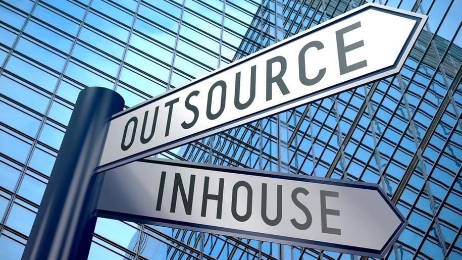 Bør du outsource marketing-392814-edited.jpg