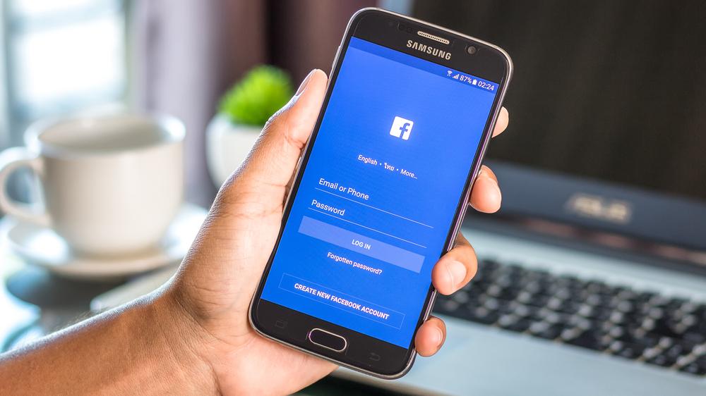Facebook-annonsering Få bedre avkastning med riktig plassering