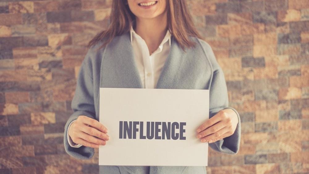 Forskning - Millennials biter ikke på reklame, men følger influencere