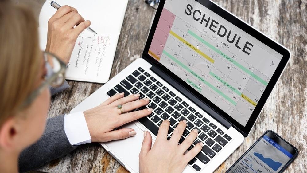 La potensielle kunder booke møter direkte i kalenderen din med HubSpot Meetings