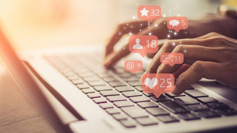 Skriv gode delingstekster i sosiale medier og få økt trafikk til nettsiden din