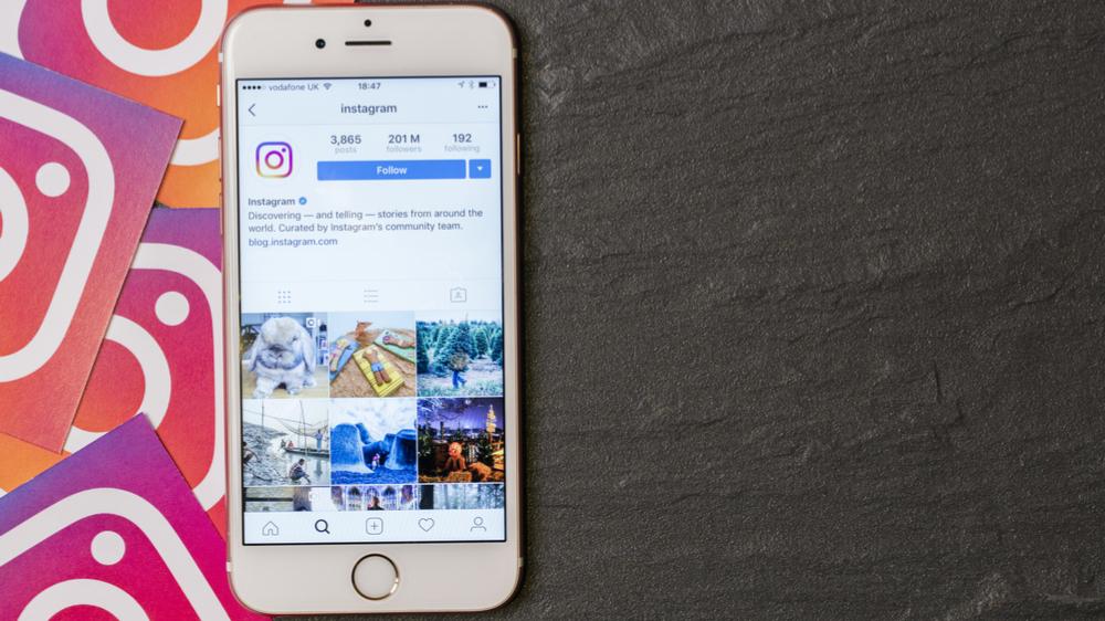 Hvordan legge til alternativ bildetekst på Instagram
